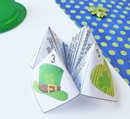 St. Patrick's Day Jokes for Students - Cootie Catcher...St. Patrick's Day activities for 4th and 5th graders! Engage your 4th and 5th graders during March with these engaging St. Patrick's Day activities and freebies.